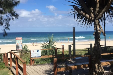 Top 20 mermaid beach accommodation holiday rentals for 3 drayton terrace mermaid waters