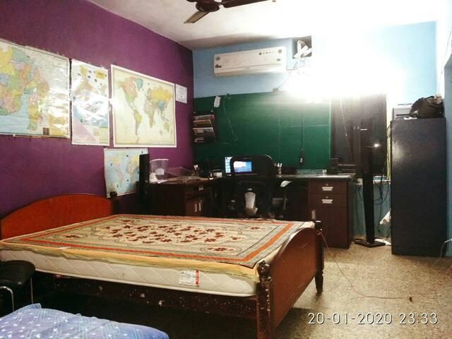 sunny's  hostel