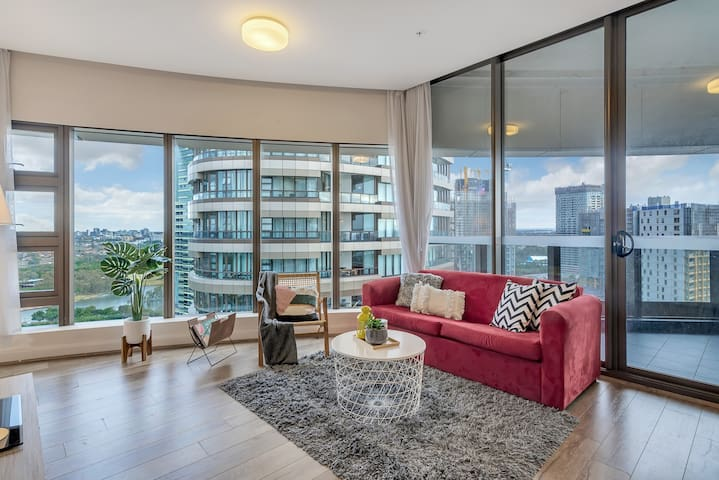 Olympic Park Luxury 2BR Apt CBD View High Level