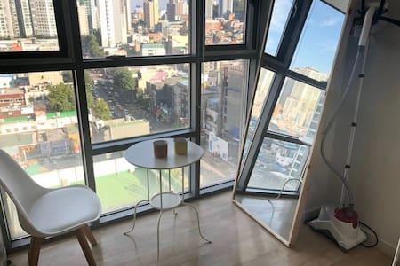 東大門批發市場apm luxe步行五分鐘 交通超級便利明洞樂天捷運三站 溫馨ins風高級公寓5號店