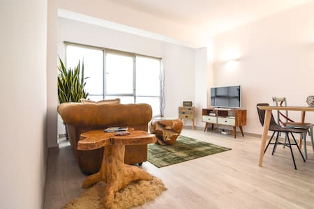 Charming contemporary flat in the heart of Palma.