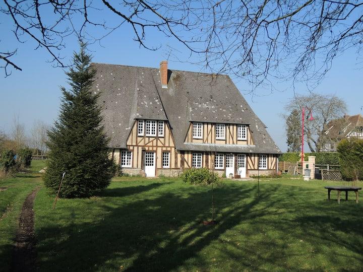 Belle maison normande. Ambiance cosy et familiale