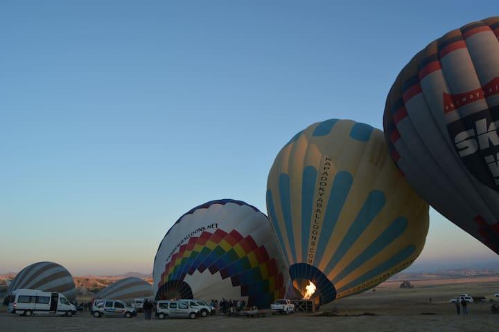Hotair balloon tours 90 euro - Uçhisar Belediyesi