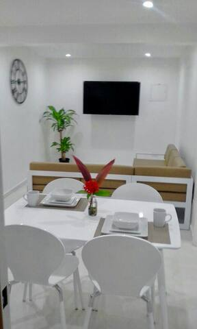 Modern and sleek. Central location - Sint Maarten - Apartament