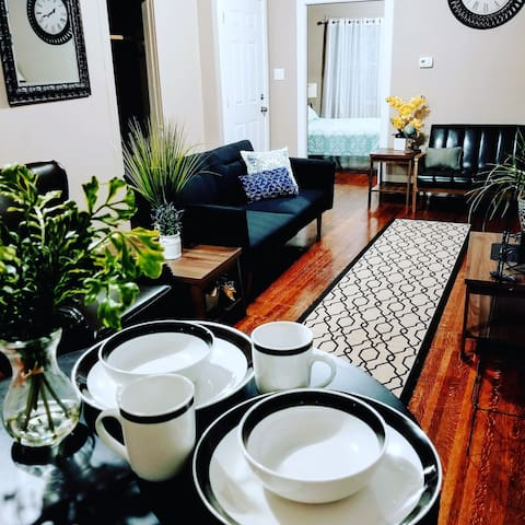 ❤The Lion Apartment in Downtown Indy❤