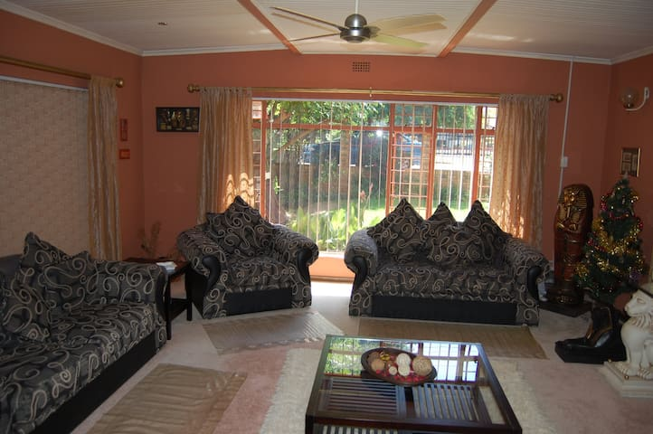 Lovely Home for rent. - Randfontein - Appartement