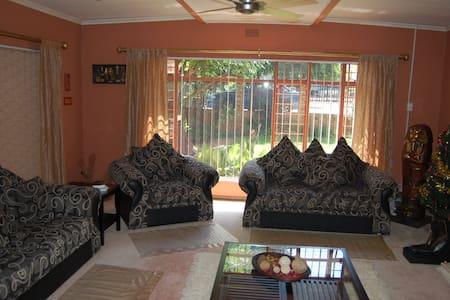 Lovely Home for rent. - Randfontein - Lejlighed