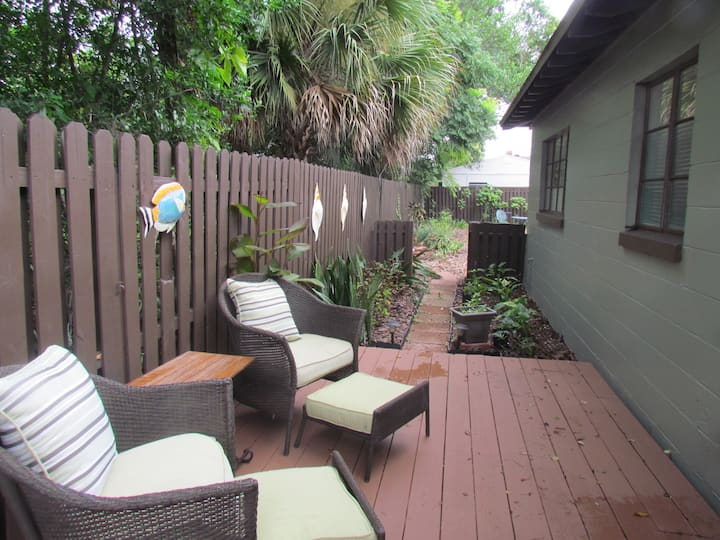 Butterfly Garden Cozy Cottage -Winter Park Orlando