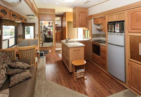 Naturskøn rolige omgivelser, i camping trailer.