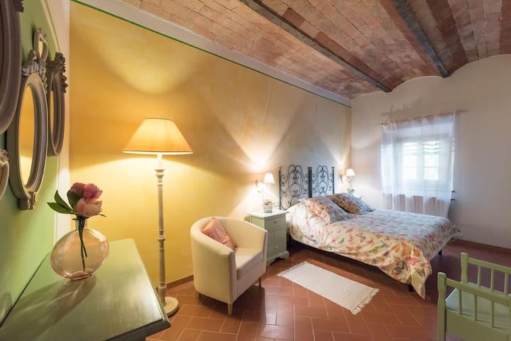 Lovely apartment inside a farmhouse - Montespertoli - Apartment