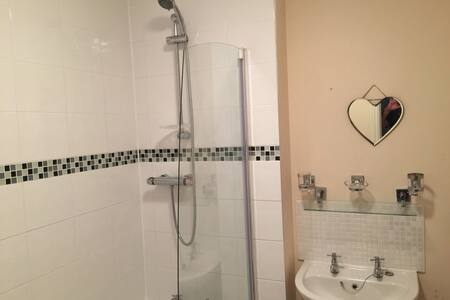 Single room Cheltenham - Cheltenham - House - 2