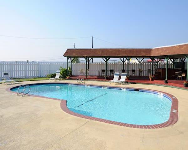 *Runaway Bay,TX, 1 Bedroom #2 /0878 - Runaway Bay - Apartment