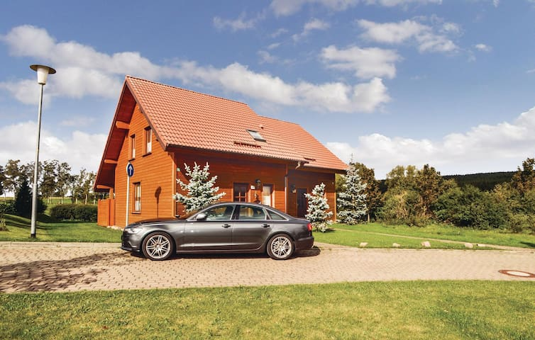 Semi-Detached with 2 bedrooms on 76 m² in Hasselfelde