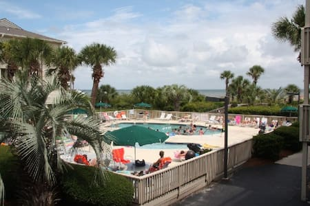 BEACHFRONT 1 BEDROOM VILLA... - Hilton Head Island
