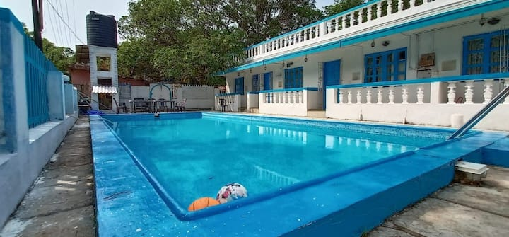 5BHK Private pool Portuguese House Candolim beach