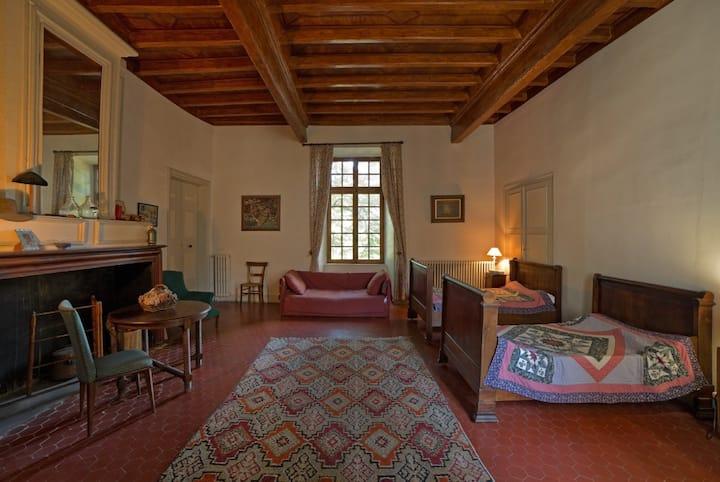 dans château : suite Bernard de Cardaillac pour 4