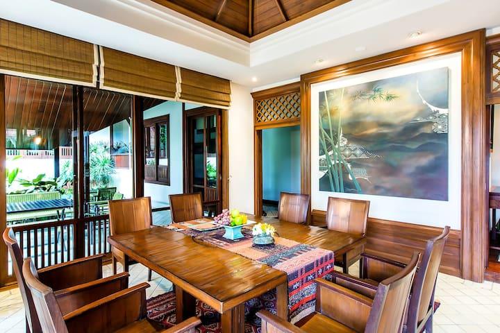 Roomy Presidential Pool Villa in Chiang Mai!