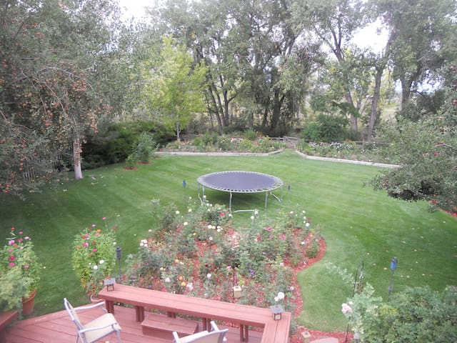 Private 2 Bed/2 Bath Home on Open Space - Longmont - Casa