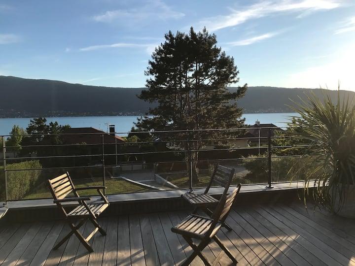 Maison neuve/vue splendide/200m du lac d'Annecy