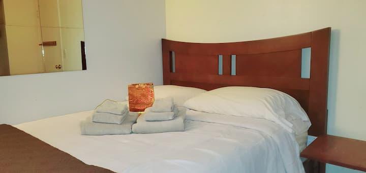 ★★★★★ C-19 CLEAN Memory Foam Full Bed, Desk & Wifi