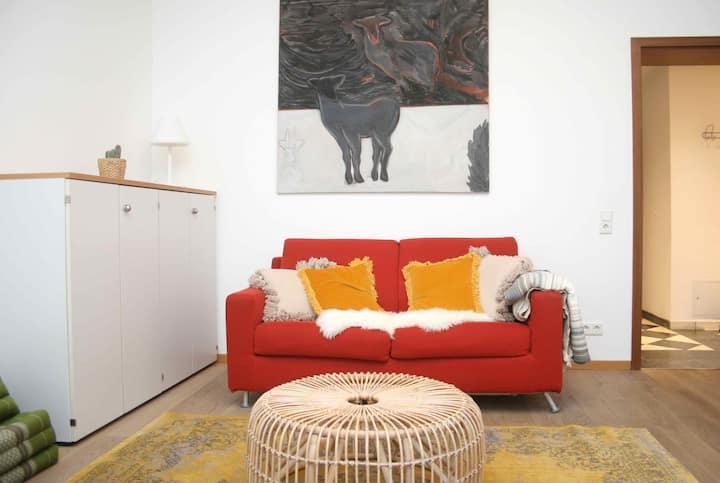 Rarität: 60qm Wohnung, Küche, Bad, Balkon; central