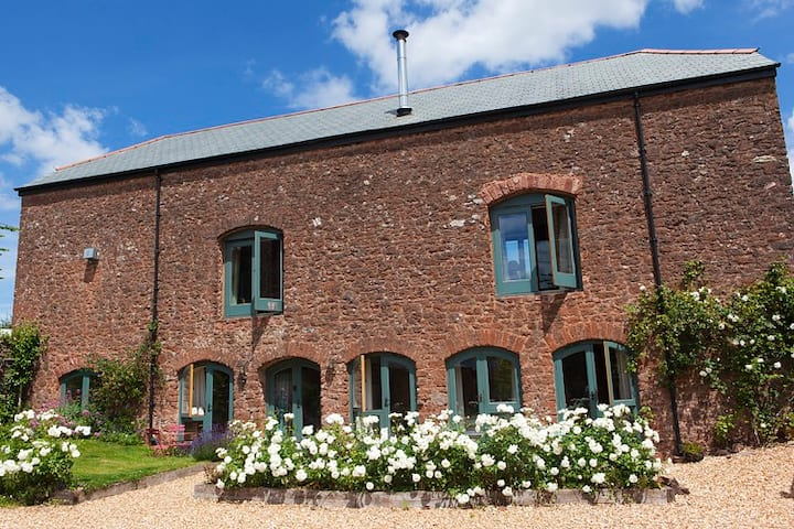 West Garden Apartment in Cider Barn -1 Bed