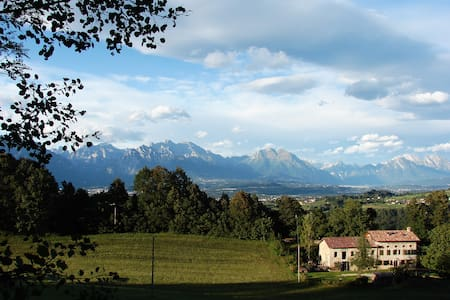 Dolomites scenery, b&b coldineve - Mel - Bed & Breakfast