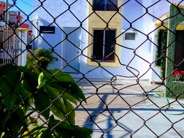 RECAMARA INDEPENDIENTE DEL RESTO DE LA CASA