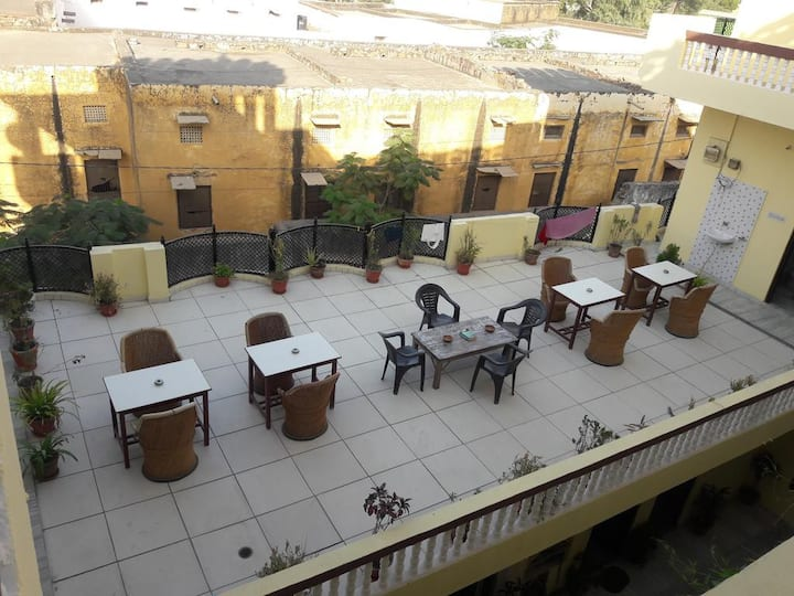 Beautiful & Spacious Keshav Palace ,Pushkar