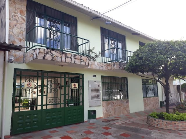 Hermosa casa en Conjunto cerrado Villanueva