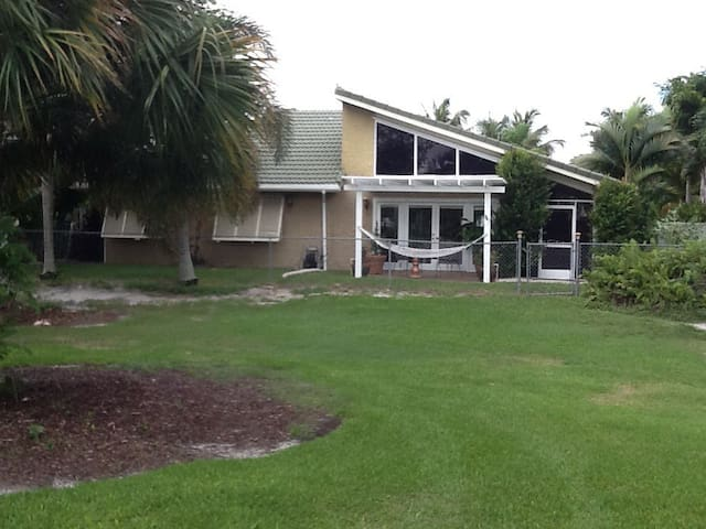 3 BR So. Fla Pool Home Reduced Rates 7/1-11/15/18