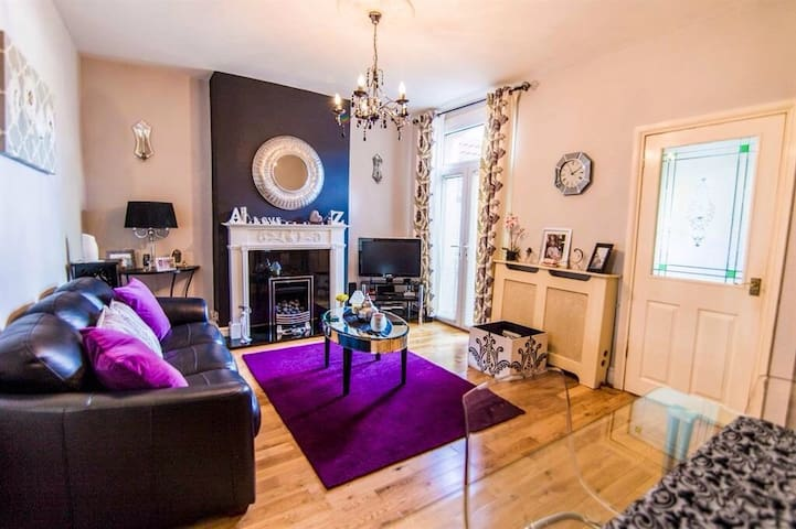 Attractive Georgian Terraced House - Bristol - Talo