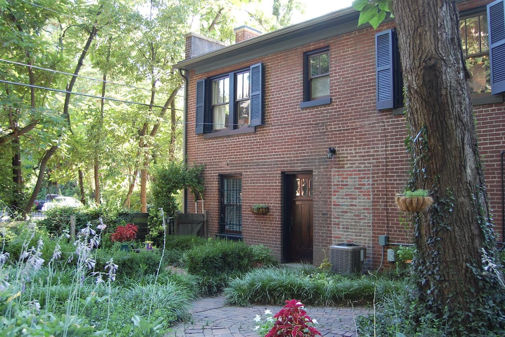 Old Louisville Carriage House Houses For Rent In