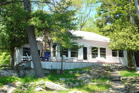'Panache' on Lake Muskoka - Gravenhurst - Srub
