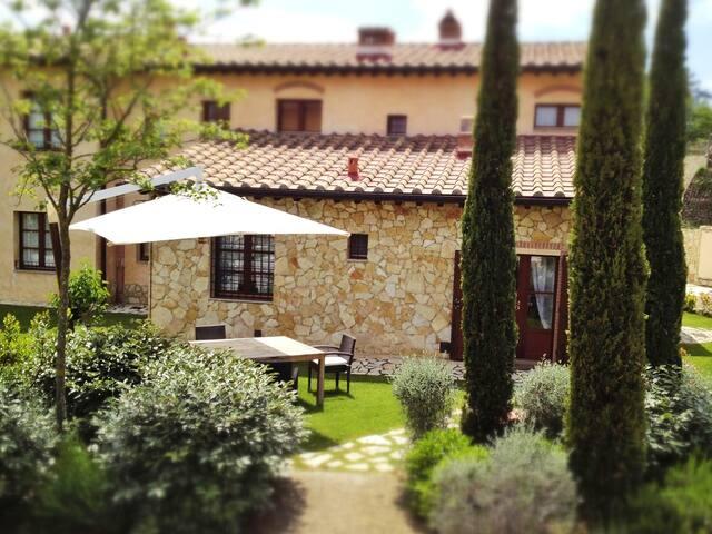 Tuscany Villa La Casetta del Borgo San Gimignano