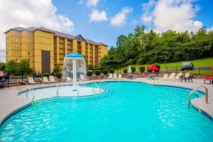 Free Dollywood Ticket, Granite, Sleeps 4, Tons of Amenities