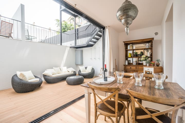 Gulbenkian 2 bedroom with Private Garden