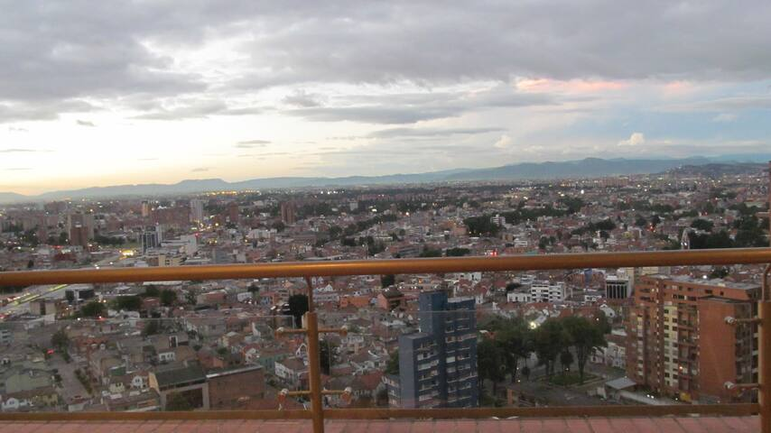 AMAZING & SPECTACULAR 180º-BREATHTAKING VIEW - Bogotá - Apartmen