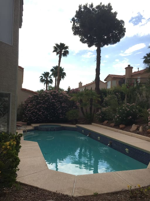 Gorgeous Pool, Clean and Fresh; Space for Backyard Gatherings