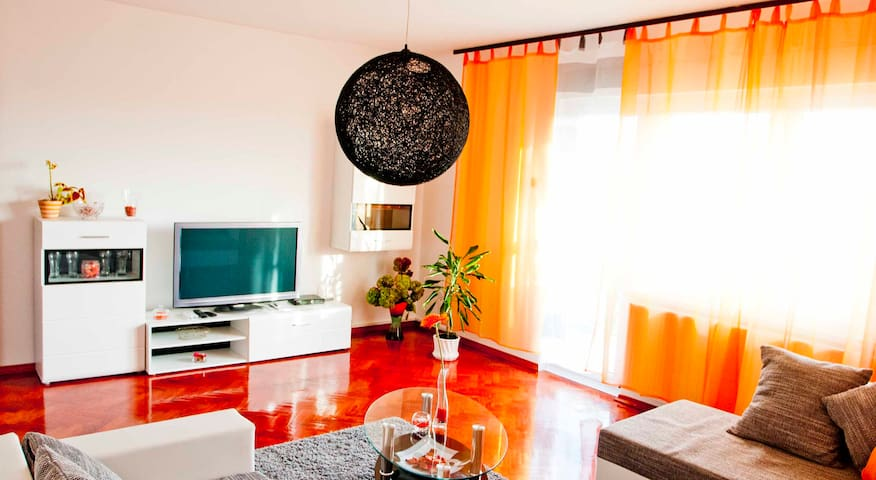 Apartment four stars 66m2 near downtown of Zagreb. - Zagreb - Flat