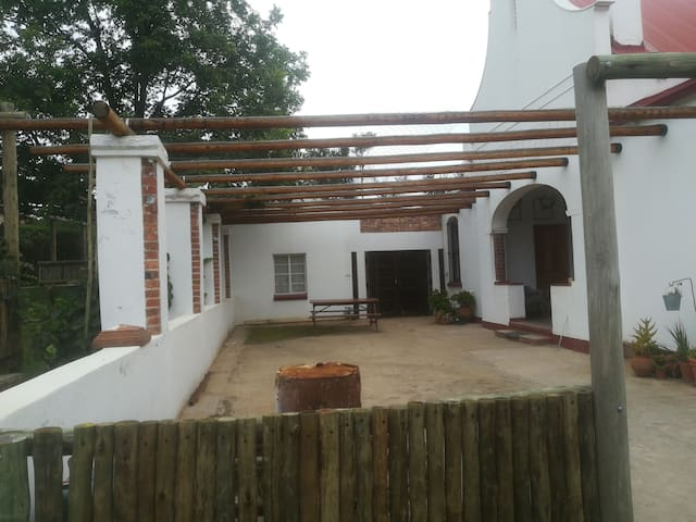Pecan Cottage 3