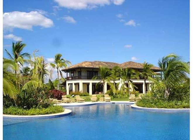 Exclusive Hacienda Pinilla Villa