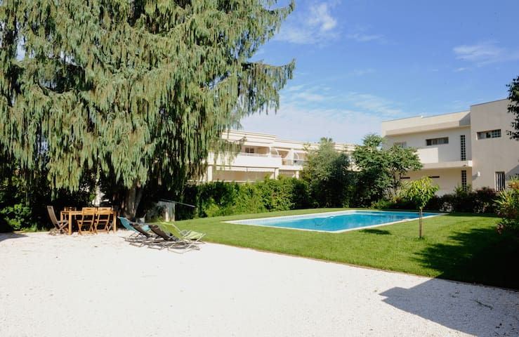 2BR in a shared House 200m beach Pool Parking