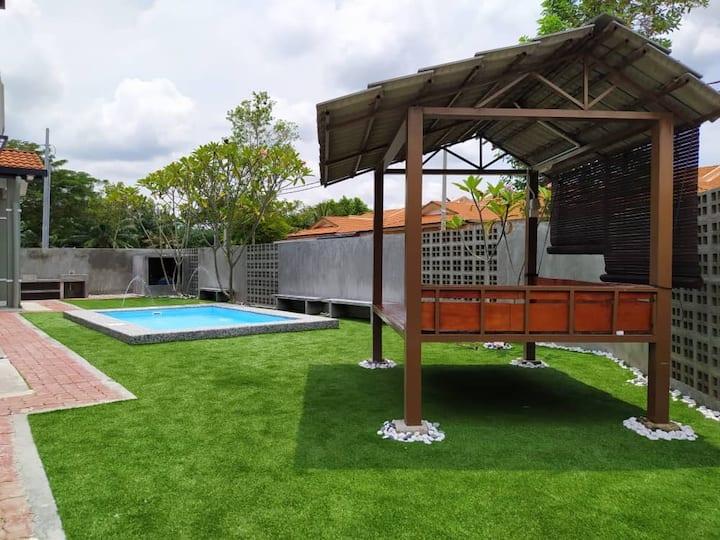 Villa Merajuk Sepang with Private Pool