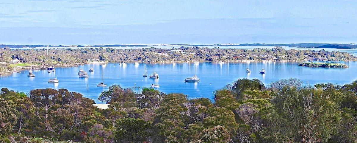 Almonta Escape Coffin Bay guidebook