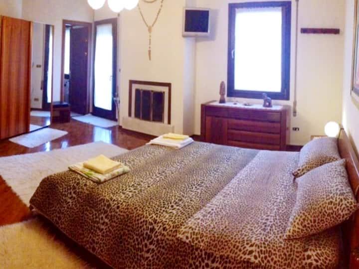 suite con terrazzo + camino+ bagno