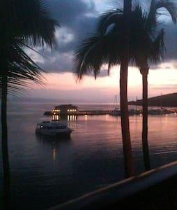 Maui Calls. - Wailuku
