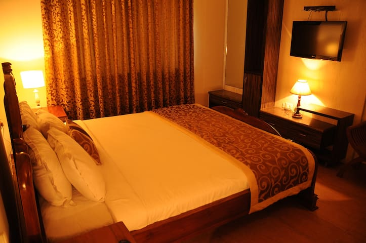 Cozy 1BH in Guindy ~ Deluxe King Bedroom 3 of 6
