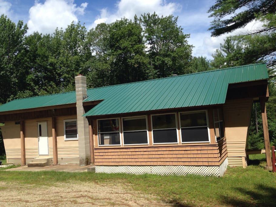 Converted mobile home perfect for a couple looking for a peaceful hideaway