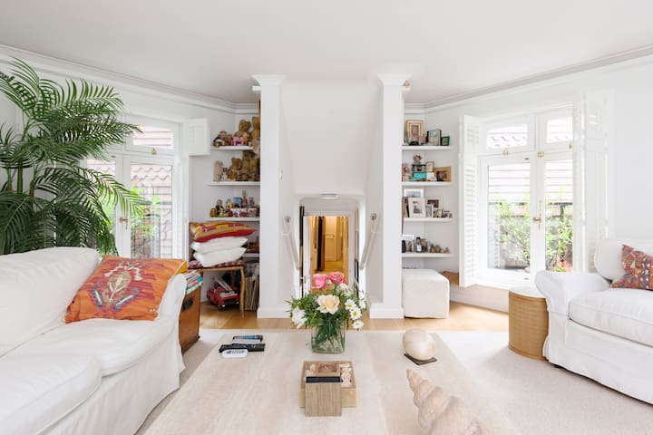 Stunning and Luxurious Flat in Leafy Hampstead